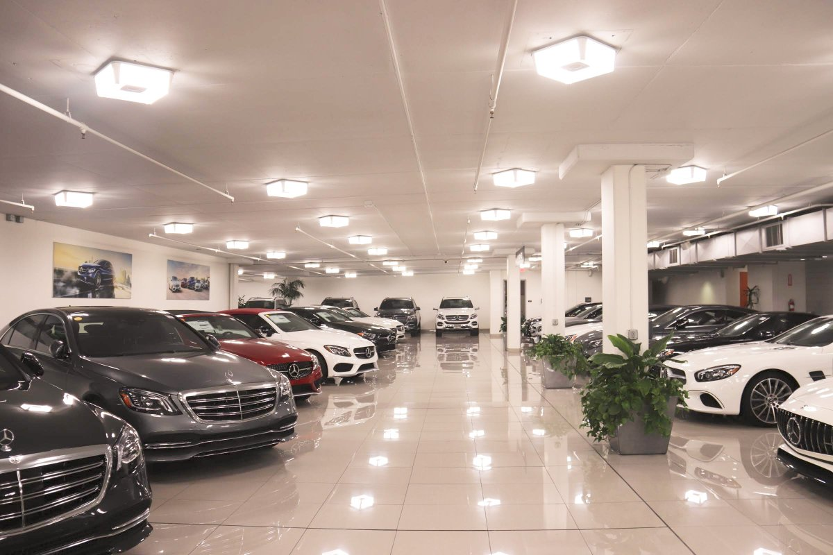 Have you seen our AMG showroom? 🧐 #amg #mercedes #mercedesbenz #supercars #brabus #cls #carsofinstagram #carporn #supercar #amgperformance #sclass #mercedesbenzamg #thebestornothing #turbo #love #racing #gle #ford #pagani #audirs https://t.co/wgyPuaWb77