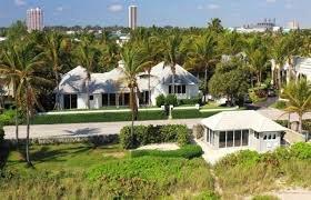 MANSIÓN DEL EXTESORERO de Chávez en Palm Beach, Forida, Estados Unidos, fue subastada en $11 millones. El teniente Alejandro Andrade, quien también fue escolta del difunto Presidente, cumple diez años de prisión por lavado de dinero en sociedad con el magnate @RaulGorrin .