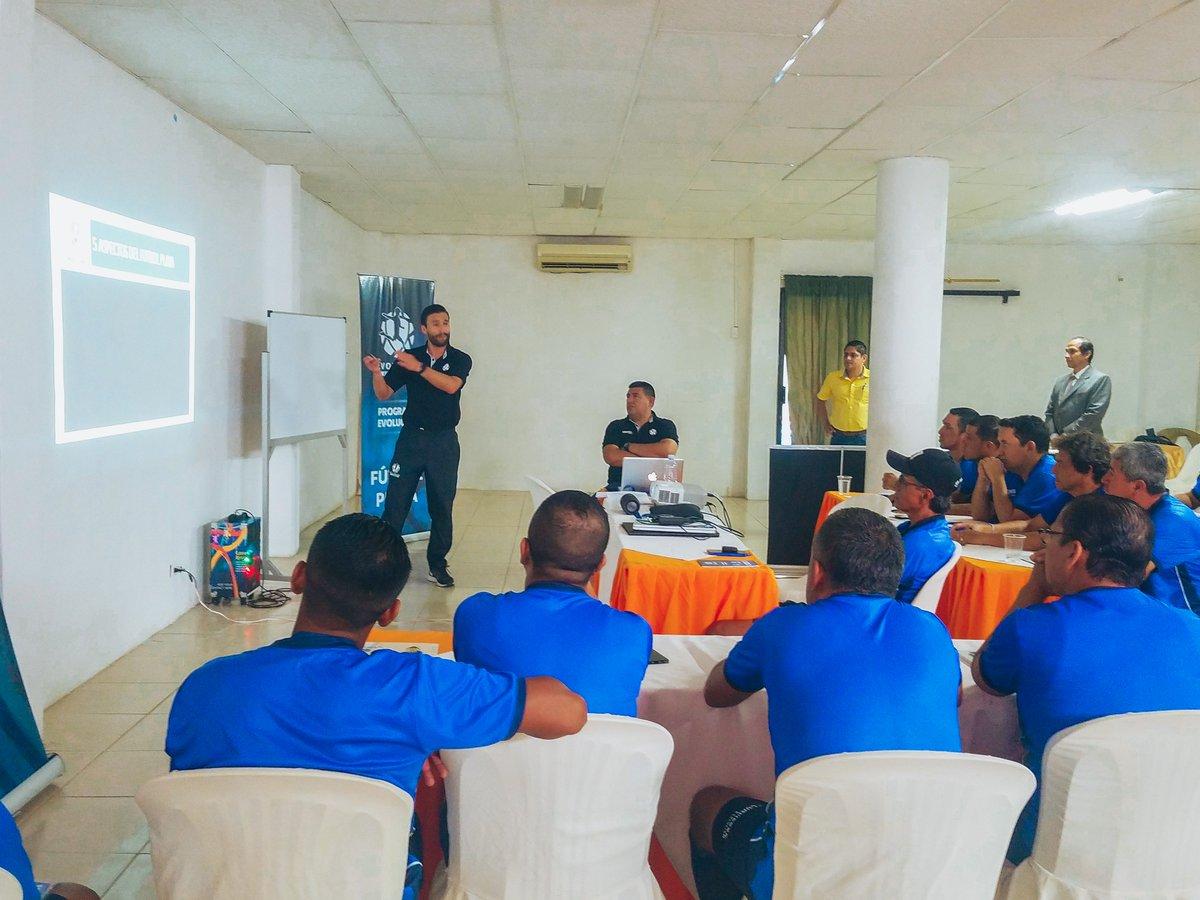 Se realizó en Ecuador curso internacional de Fútbol Playa http://bit.ly/2XeRNxG