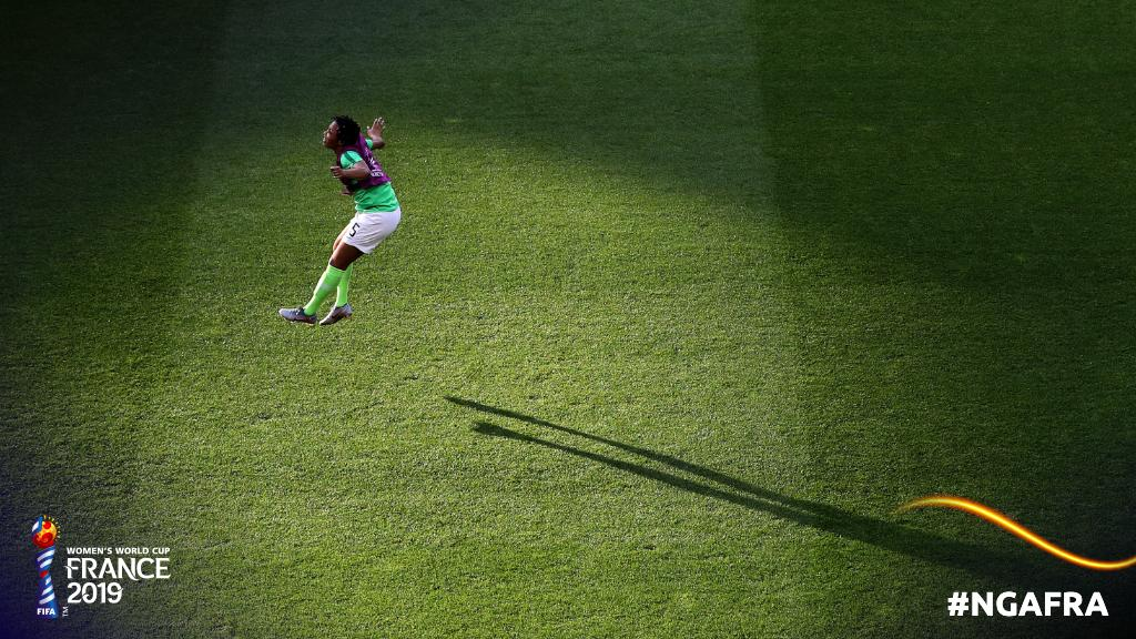 Shadow play.   #FRANOR | #FIFAWWC<br>http://pic.twitter.com/S0r99MKJQJ