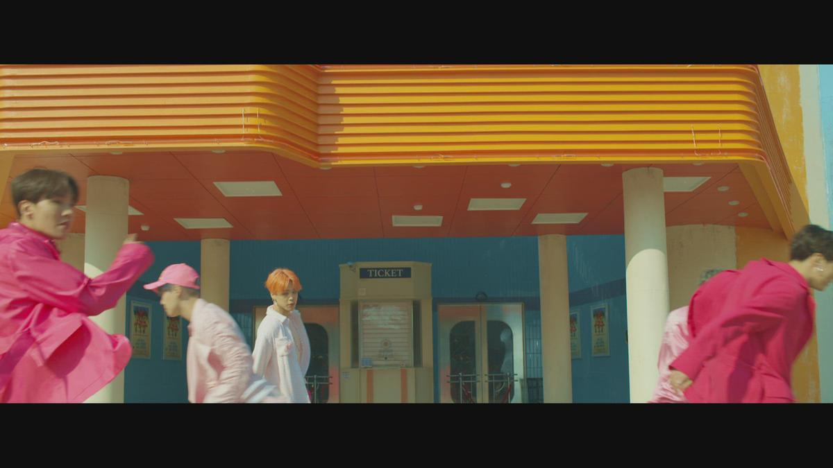 Boy With Luv (feat. Halsey) ['ARMY With Luv' Version] - BTS  http:// dlvr.it/R6n4W6     <br>http://pic.twitter.com/IvRHEl931O