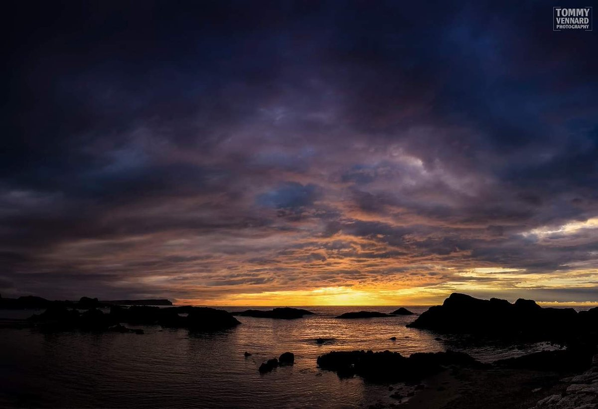 @DiscoverNI @NationalGeoPicx #sunset #Clouds #sea #NorthernIreland #landscapephotography #beautifulworld