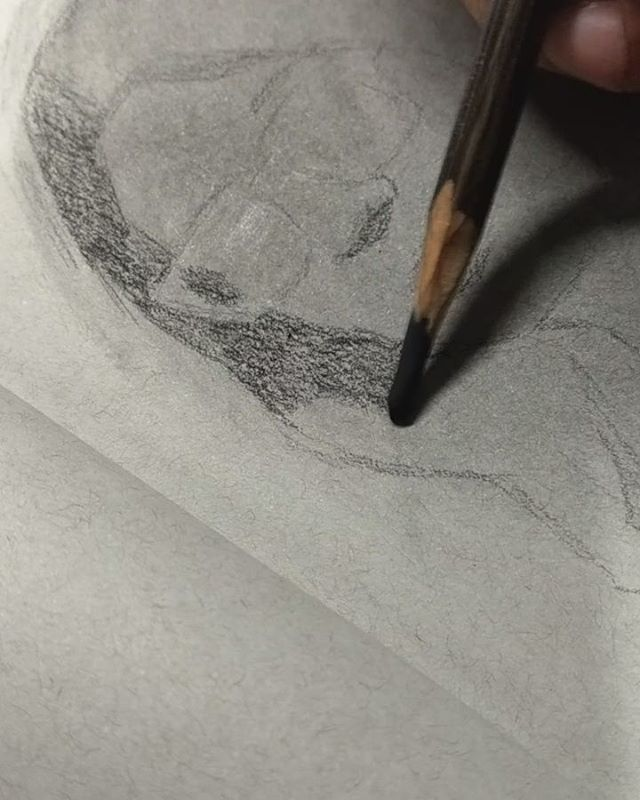 El sonido del carbón. . . . #charcoaldrawing #dibujo #carboncillo #figurative #decor #그림 #예술 #charcoalfeature #galley #artgallery #comment #figurativeart #artcollect #video #girl #искусство #чертеж #contemporaryart #Drawing #Dessin #Disegno #Рисовани… http://bit.ly/2IT15q1