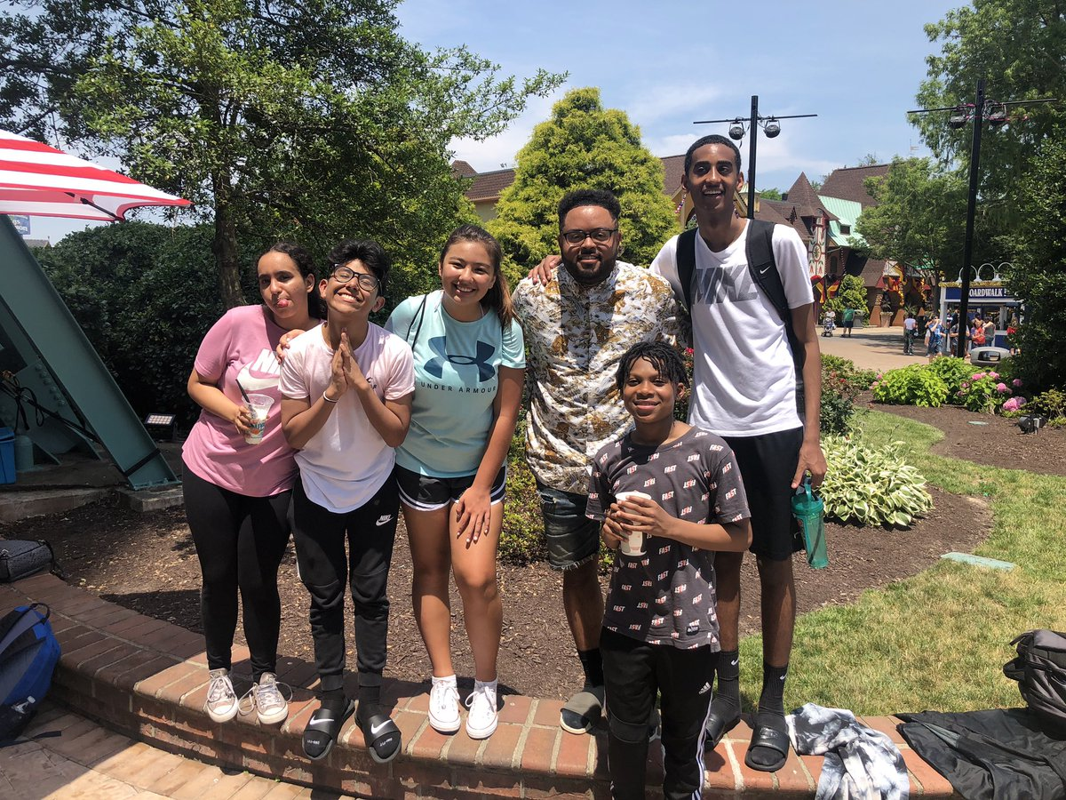 RT <a target='_blank' href='http://twitter.com/Mrhouse1213'>@Mrhouse1213</a>: Solid day at kings dominion!!  4 more days til summer! <a target='_blank' href='https://t.co/MunoiZyJli'>https://t.co/MunoiZyJli</a>