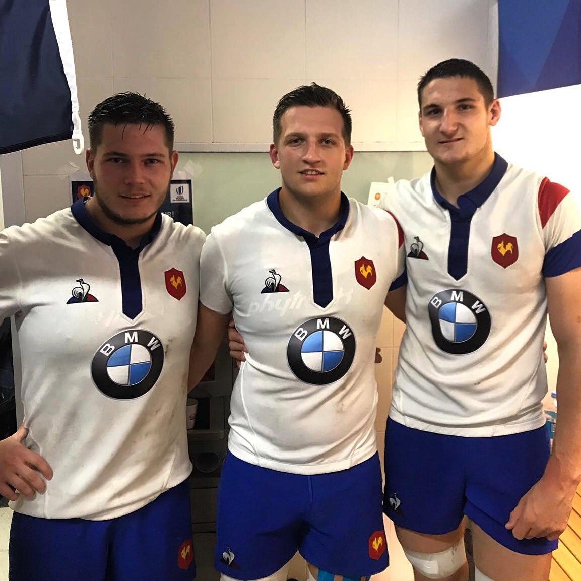 Ils sont pas fringants nos Petits Tricolores ? 😍  Direction la Finale de la Coupe du Monde, Messieurs ! ☝🏼🇫🇷💪🏼  @FFRugby @rugbyworldcup #FRAAUS #FRAU20 #AvecLeXV