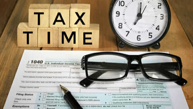 Tax tips before you file your taxes that can save you time and money https://bit.ly/2JDrEkM #savetimeandmoney #saveontaxes #taxpreptips #taxpreparation #taxhack #beforeyoufile