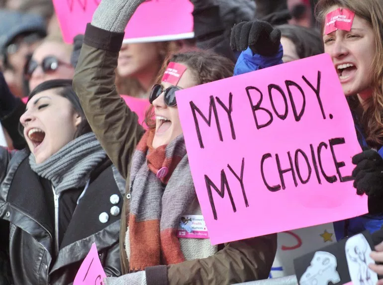 Right to choose may disappear soon.  #SixWordHorror  #Prochoice #roevwade #TrustWomen #StopTheBans #feminist #WomensRights #righttochoose<br>http://pic.twitter.com/8xBAIw6WQJ