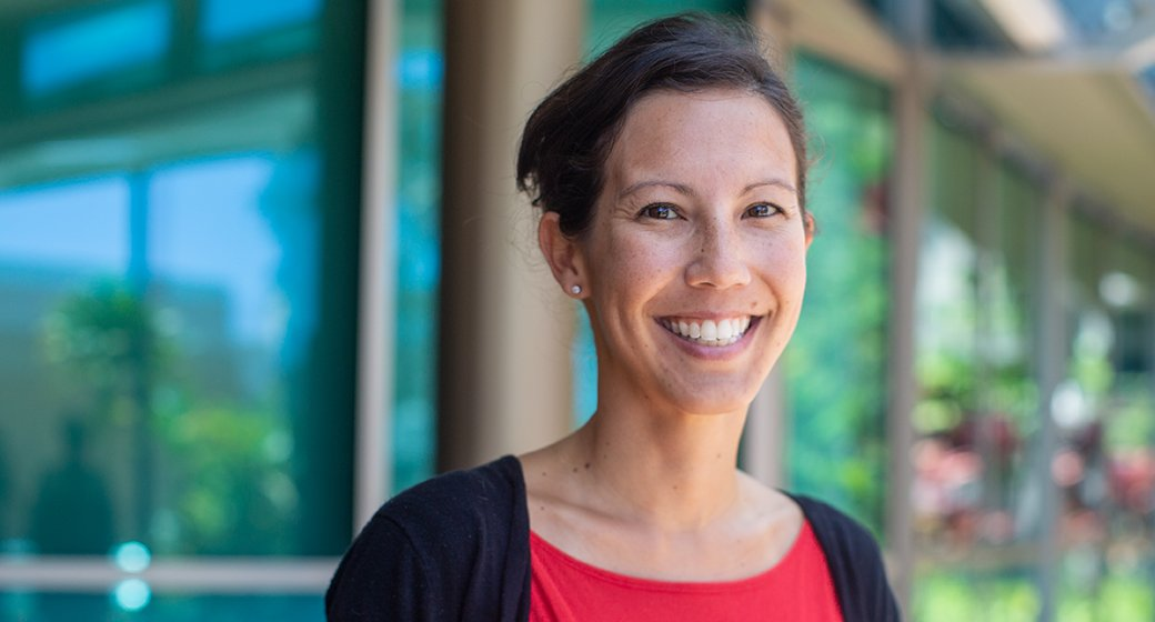 Image for the Tweet beginning: UH Mānoa Psychology Professor Kristin