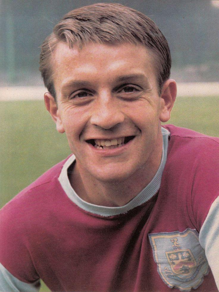 Born #OnThisDay 1943  Happy 76th Birthday to a Burnley FC legend  Willie Irvine     I'm sure all #Clarets fans will wish him well, as his continues rehab to recover from the after effects of a serious fall at the end of April  #twitterclarets #BurnleyFC<br>http://pic.twitter.com/5pdqVLR9bb