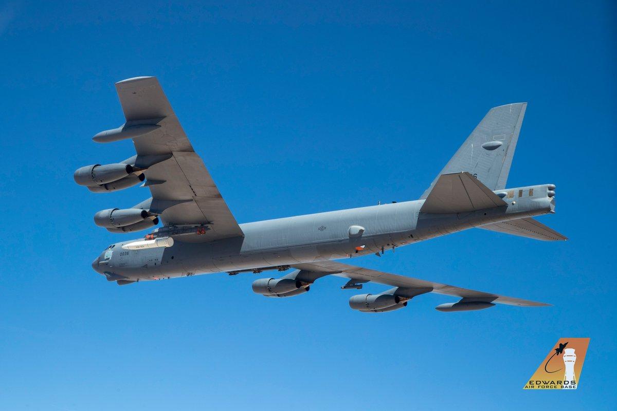الجيش الأمريكي ينشر الصور الأولى لصاروخ AGM-183A فوق الصوتي. D9TPxiUUcAAdq5-