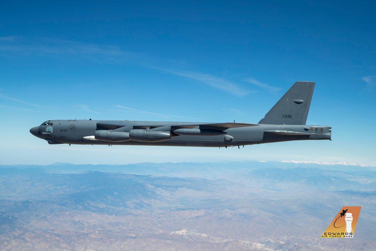 الجيش الأمريكي ينشر الصور الأولى لصاروخ AGM-183A فوق الصوتي. D9TPxiVVUAANoit