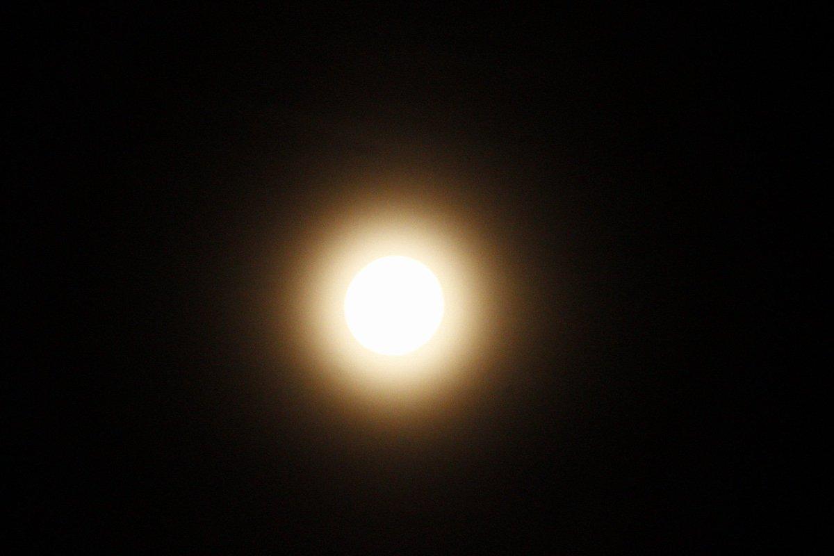 Full moon sagittarius. Rouen 01h36 @canonfr #fullmoon #spirituality<br>http://pic.twitter.com/zTCJp20mzC