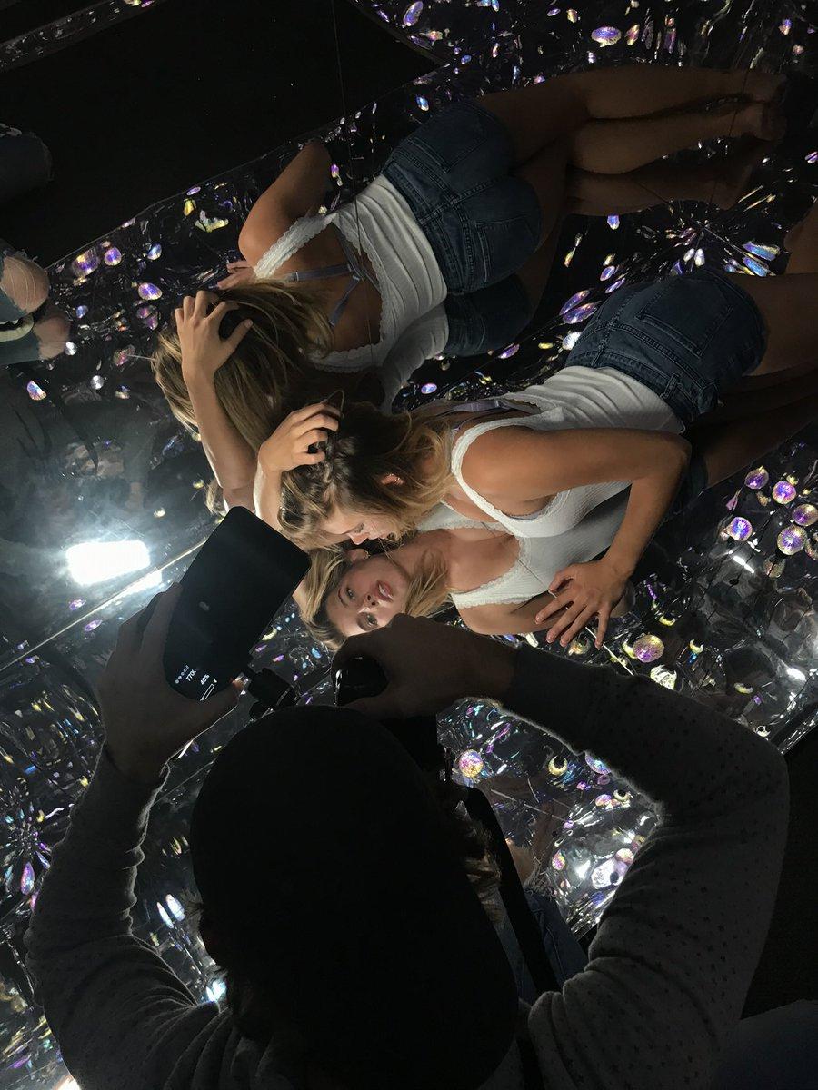 Mirror mirror on the floor ✨