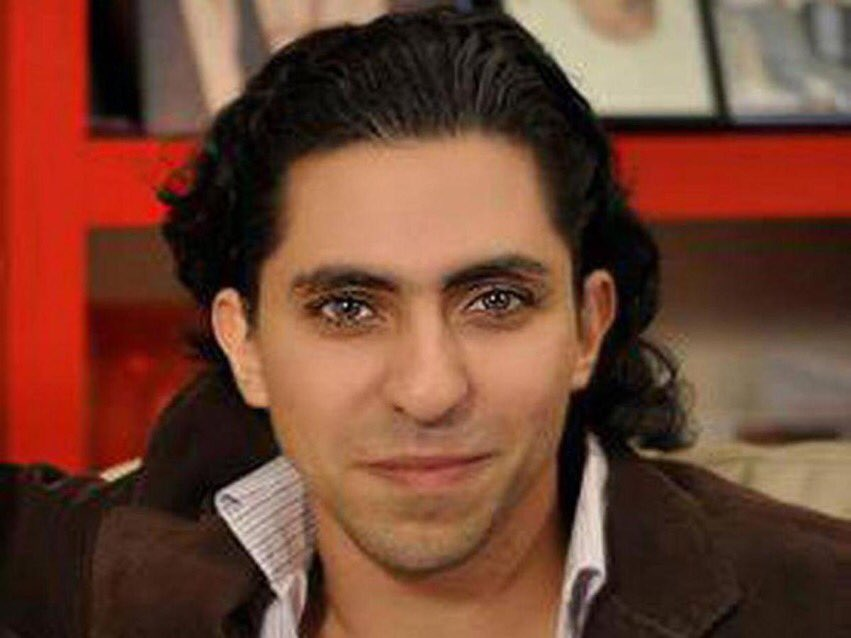 7 years ago today, blogger @raif_badawi was arrested by Saudi Arabia on charges of insulting Islam through electronic channels & sentenced to 10 years in prison & 1000 lashes. #Raif & @miss9afi, we have not forgotten you or your family! It is time for Saudi Arabia to #FreeRaif!<br>http://pic.twitter.com/AwO0Q7Ka1p