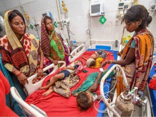 चमकी बुखार: अब तक 132 बच्चों की मौत, मुजफ्फरपुर पहुंचे CMनीतीश https://www.newslab24.in/rajy/chamki-fever-death-of-132-children-till-now-nitish-kumar-arrives-at-muzaffarpur/…