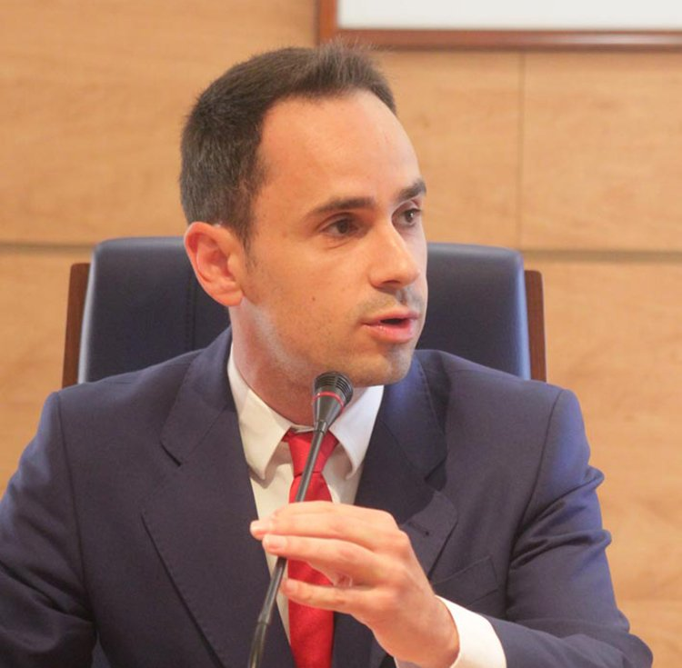 Configurado el nuevo Equipo de Gobierno de Cabanillas formado exclusivamente por el PSOE - http://henaresaldia.com/configurado-el-nuevo-e…...