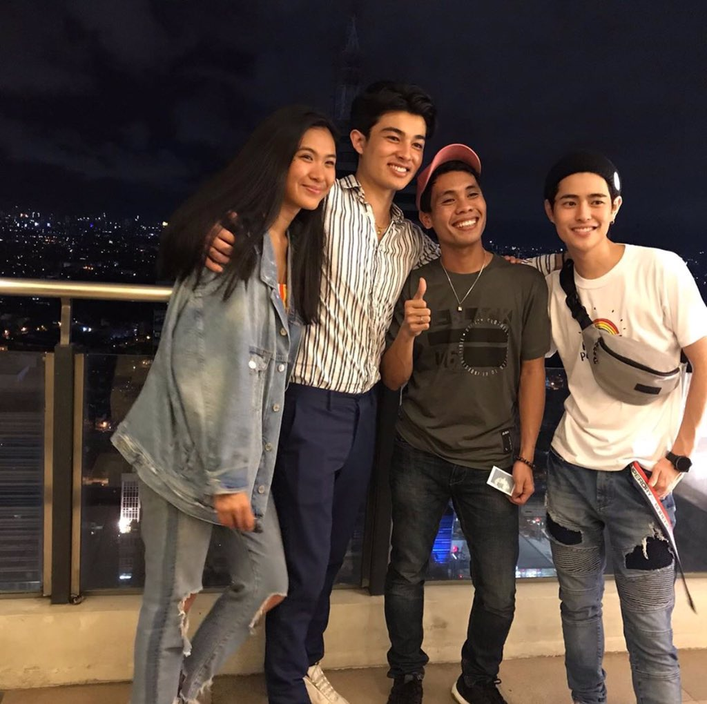 Are you still tweeting with us? Retweet this tweet and reply with your favorite photo(s) of LAYF. Don't forget to include our hashtag & tagline for today!  #Batch2getherForever | Team LAYF @louyanong<br>http://pic.twitter.com/lqXYFWy396