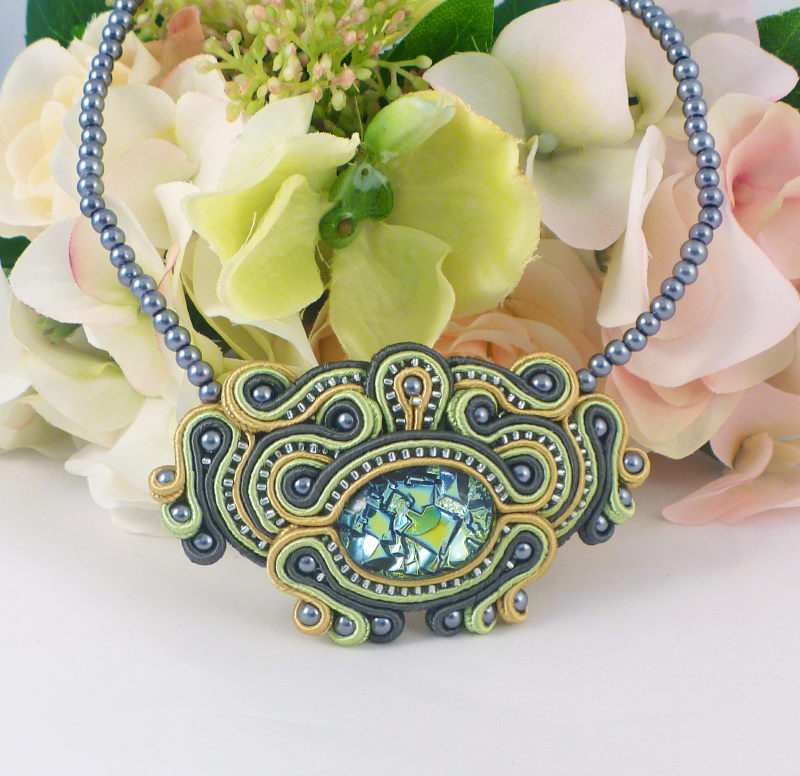Morning #earlybiz  we have another day that needs brightening up. Add some zing with this handmade necklace.  https://www. etsy.com/uk/listing/626 160487/soutache-necklace-soutache-jewelry?ref=shop_home_active_30&frs=1  …  #handmadenecklace #uniquejewellery #summerjewellery #rtmebb #ukcraft <br>http://pic.twitter.com/La3cFp1uGj