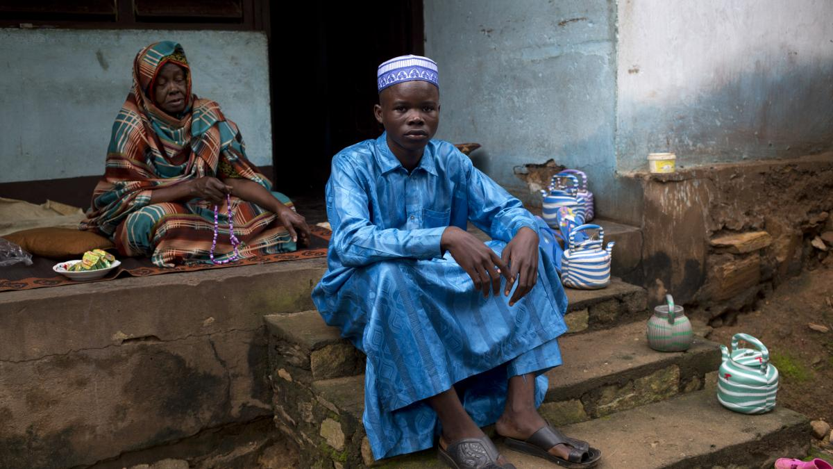 War has divided Ali's community in the #CentralAfricanRepublic.  As a Muslim, he's sometimes unable to see his Christian friends. He wants peace. This is Ali's story -> http://bit.ly/2RlWzUB 📷 @aretestories/War Child UK