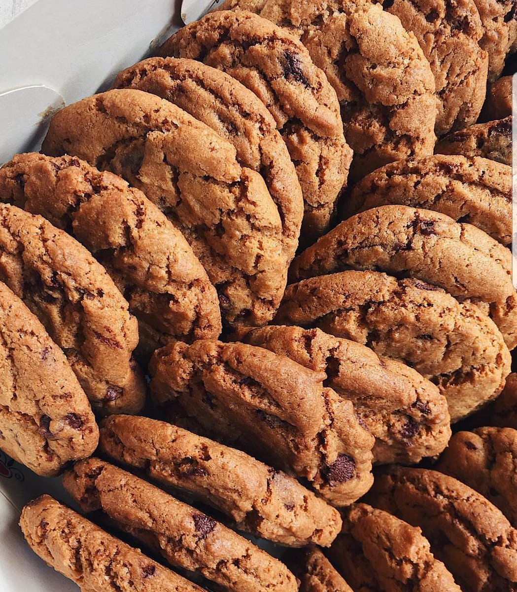 Chocolate Chip Cookies!  These cookies are perfect  . Our cookies are not too soft nor too hard; it is deliciously chewy as cookies should be  . Need a pack or 2 (trust me you will ask for more o) delivered to you, Call us on 07082965649 #cookies #lagos<br>http://pic.twitter.com/u2JCrpHNPR