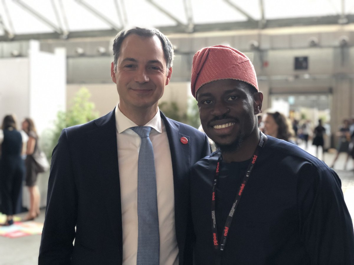 Finally get to meet Minister Alexander De Croo and he is an awesome guy!#AfricaDevelopmentPrize #KBFAfricaPrize #belgique #EDD19 @alexanderdecroo @realwecyclers