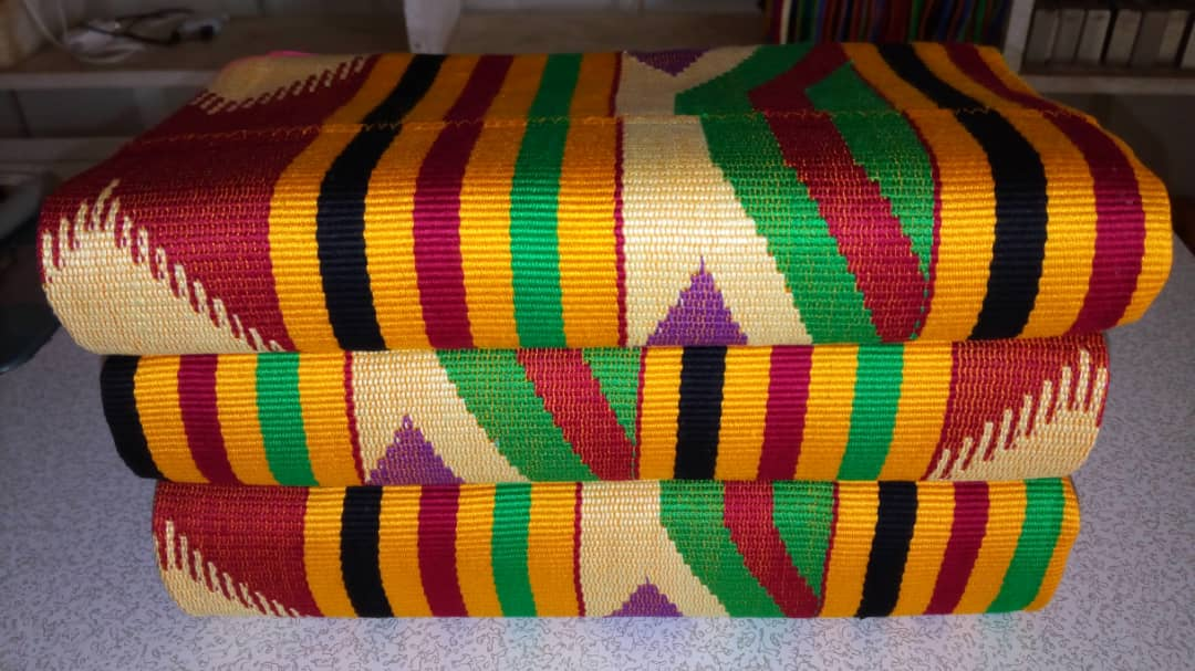#Senyoho_Collections bring you all the Local Cloth call #Kente for your Events with a cool price. You can Visit our Facebook page 👇👇👇👇 https://www.facebook.com/senyonhocollections/… for More information or Contact or WhatsApp us on 0248670848/024 664 1724. #ShattaTuesdayMarket @shattawalegh