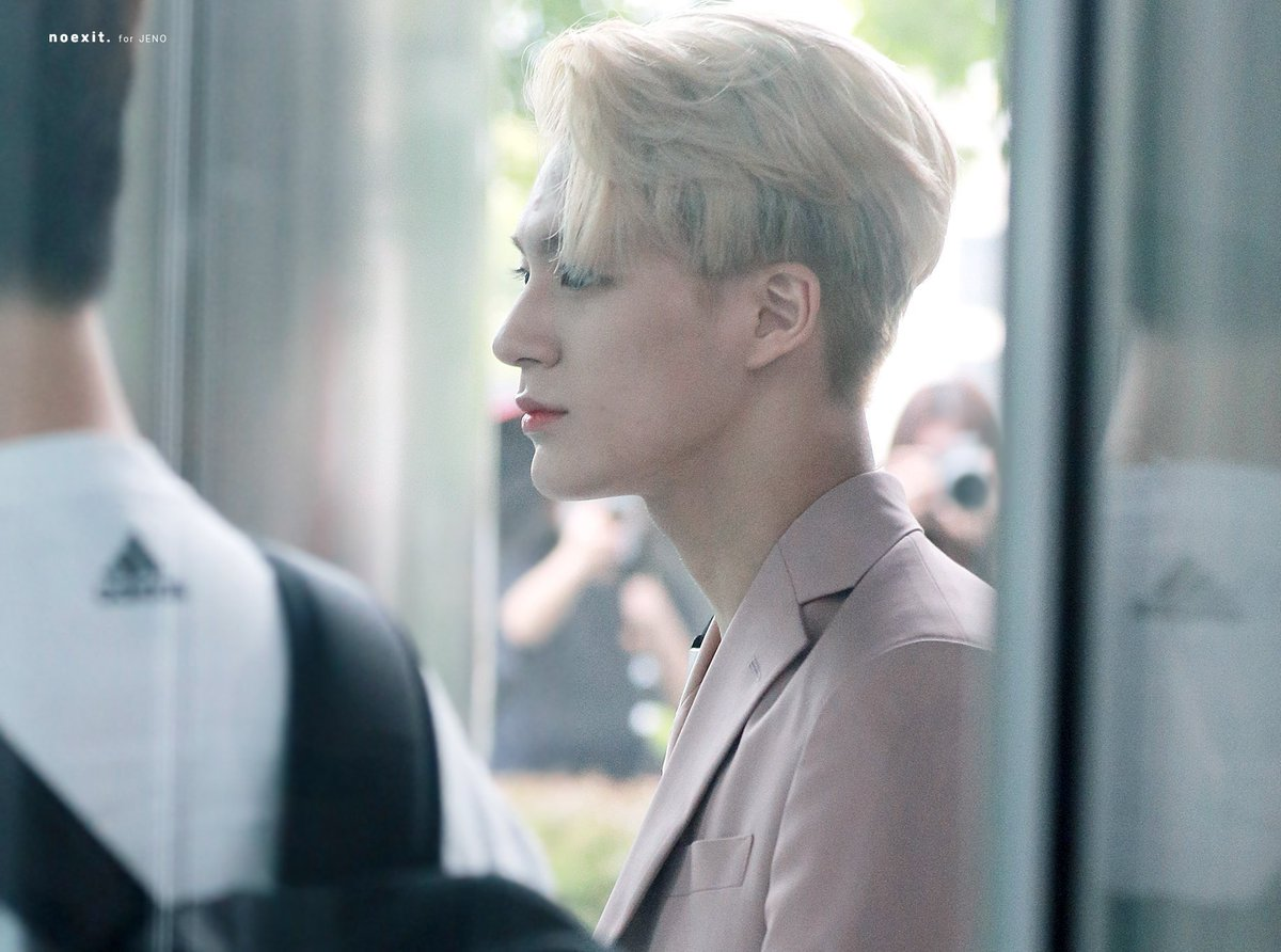 gambar 2 - warna rambut baru Jeno NCT