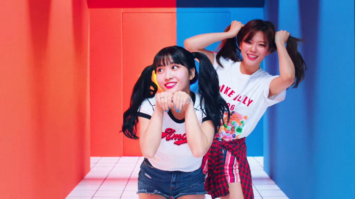 Gotta admit Breakthrough has overshadowed HappyX2 for me.   But today I revisited HappyX2 MV & rediscovered just why Twice is so good at cute concept too. Cute concept isn't unique but Twice is just THAT much better than everyone else at conveying AND infecting you w/ happiness. <br>http://pic.twitter.com/YgY0rzHeO1