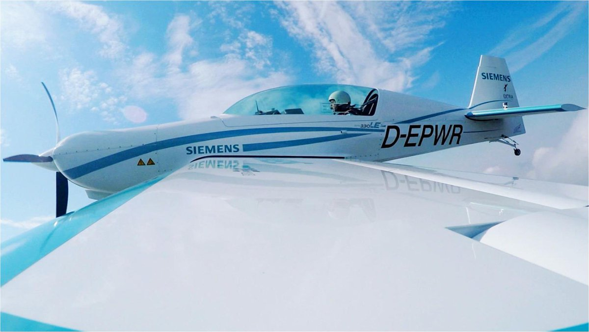Siemens sells #electricaircraft-propulsion business to @RollsRoyce. This accelerates development of #sustainableAviation. #Siemens will continue to cooperate w/ Rolls-Royce by making its #digital solutions portfolio available. https://sie.ag/2XndImj #eAircraft /fm