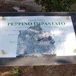 Image for the Tweet beginning: Vandalizzata la targa di Peppino