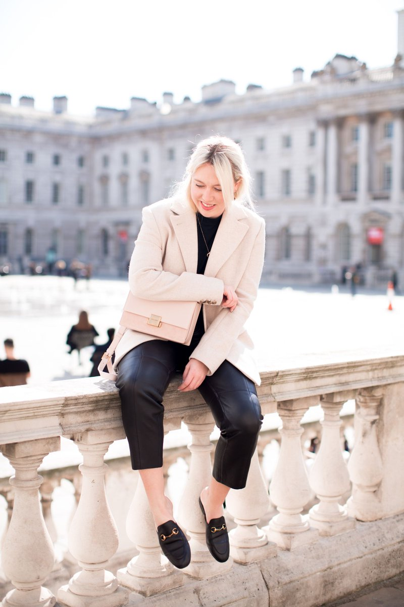 'British Summer' - a clothing conundrum  https:// mediamarmalade.com /    #fbloggers #ootd #saintlaurent #gucci #andotherstories<br>http://pic.twitter.com/trVQhXaC29