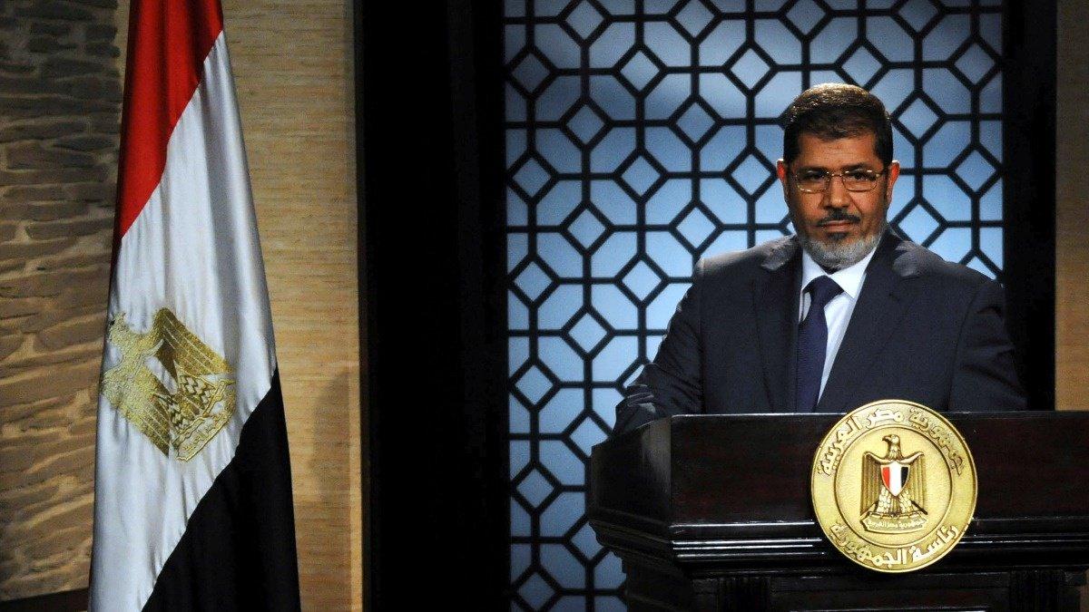 Former Egyptian leader Mursi dies in court https://reut.rs/2XjSZ2O