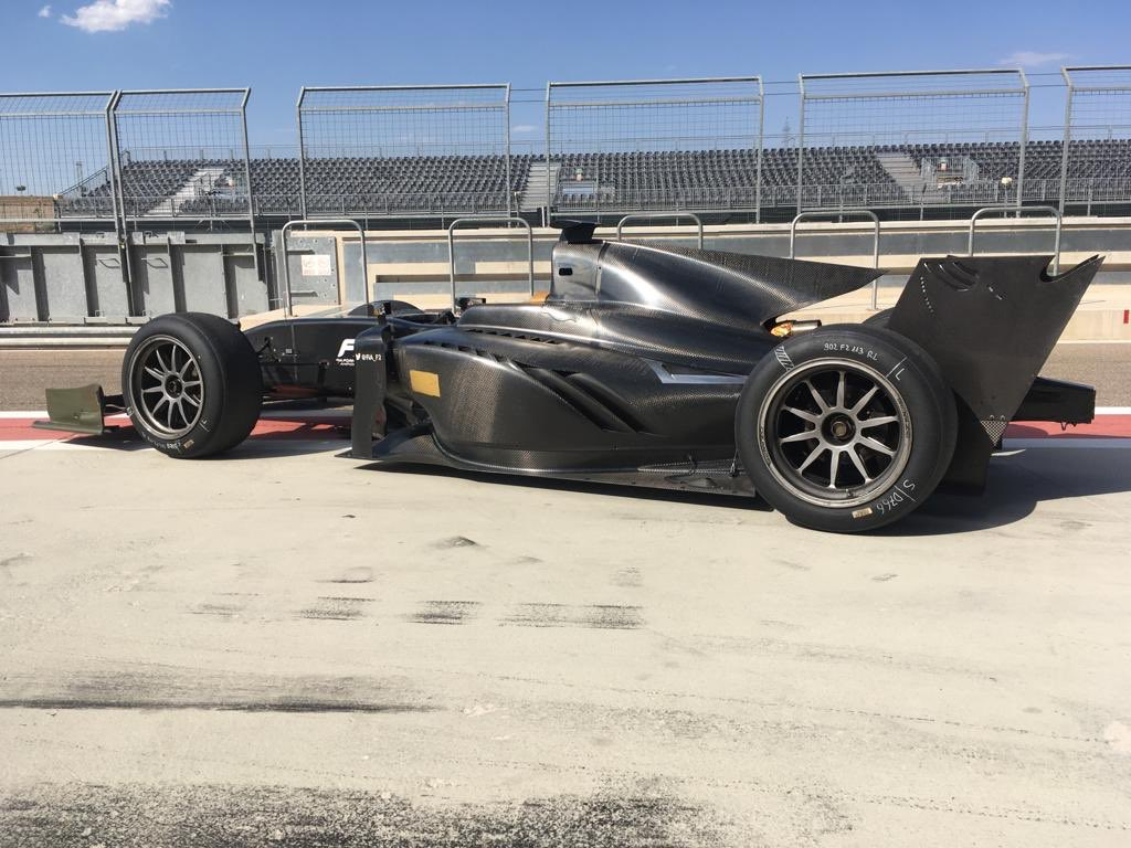 18-inch tyres arrive in @fia_f2: after a shakedown at Mugello, it's the first proper test in Spain this week. These tyres will be raced in #Formula2 next year. You're looking at the future, right now. #Fit4F2<br>http://pic.twitter.com/jtuMwqay6e