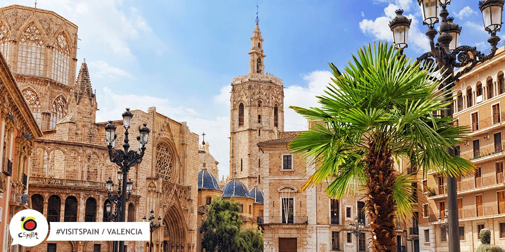 Nothing like a stunning and impressive architecture to please the eyes! Thank you, Valencia .  #VisitSpain #Valencia #SpainUrban @Valenciaturismo @c_valenciana<br>http://pic.twitter.com/wRcOzfAHwR