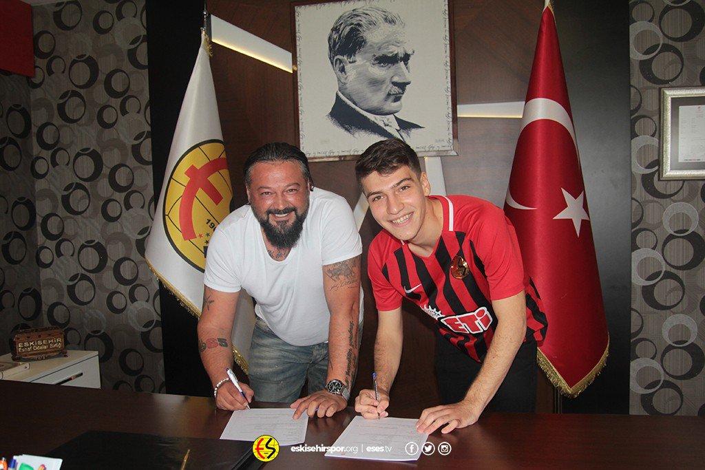 Eskişehirspor'da çifte imza