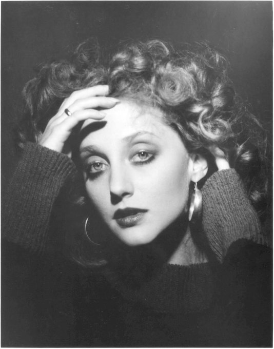 Happy 67th birthday to Carol Kane! Loved her in Taxi, The Princess Bride, and The Unbreakable Kimmy Schmidt.