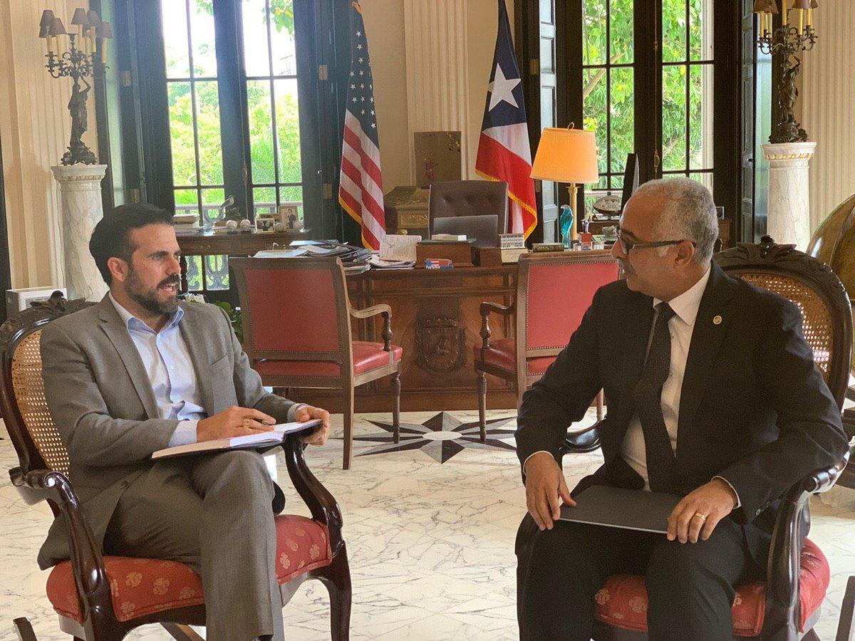 Con el secretario de @DptoHacienda, @RMaldonadoCFO repasando nuevos mecanismos para mejorar el servicio a los ciudadanos como parte de la estructura del #NuevoGobierno.