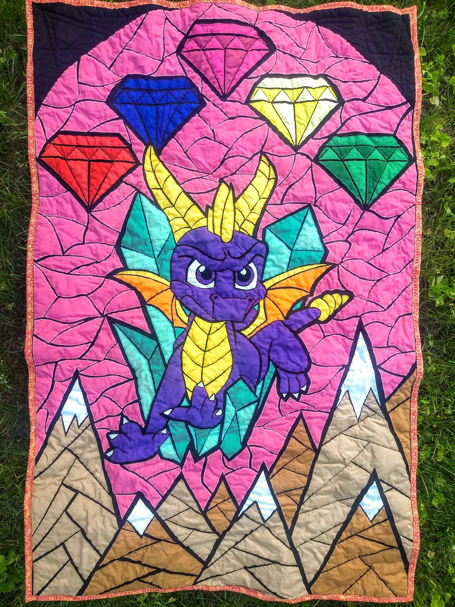 IT IS DONE. #Spyro quilt is finished and on its way to @GamesDoneQuick! If you want a chance to win it, tune in to the event beginning at 12:30 EST this Sunday on @Twitch and be ready to make a donation! #gdq #SGDQ2019<br>http://pic.twitter.com/SELSQkBiVu