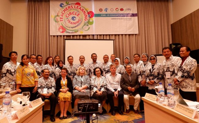 Indonesia: teacher learning circles, of great benefit to education union members http://dlvr.it/R6qsFK