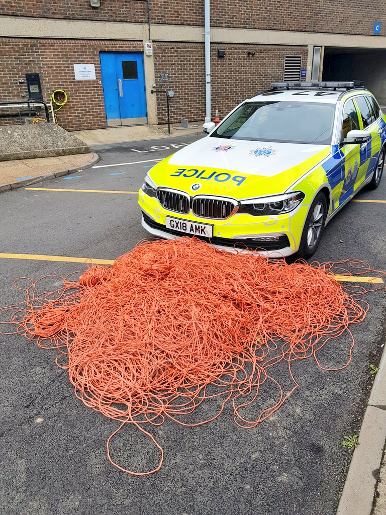 No two days are the same in this job!  With the help of colleagues we recovered 3 miles worth of orange twine that was stretched out along the #A27 between #Firle and #Lewes.   Sorry for the delays but no one wants this caught up in their wheels, especially on a motorbike.<br>http://pic.twitter.com/JSRjXweUks