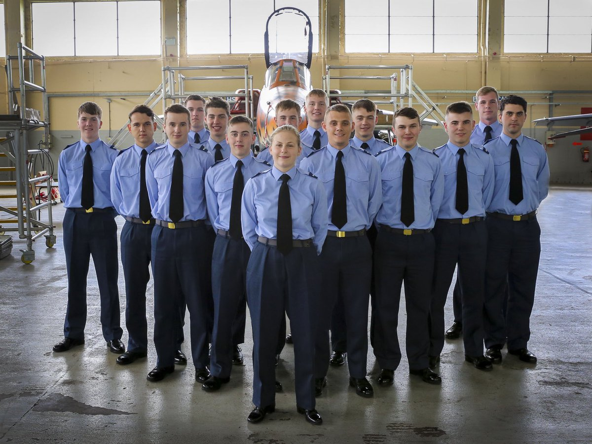 Congratulations to the latest course of @RoyalAirForce Aircraft Maintenance Mechanics to graduate from @No1SofTT @RAF_Cosford. We wish them all every success in their future careers.