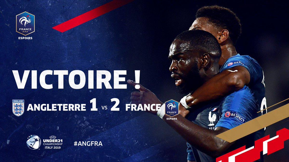 Ils lont fait !!!!! Victoire des Bleuets 2-1 grâce à Ikoné et Mateta à la 89ème et 95ème minute !!! 🇫🇷🇫🇷 RDV vendredi contre la Croatie pour le 2ème match de groupe 👊 #ANGFRA #EuroEspoirs