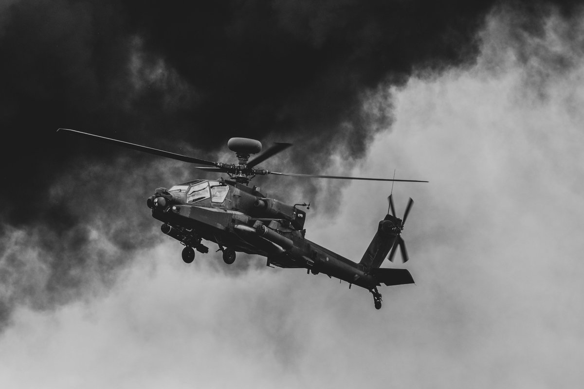 The intimidating @ApacheDisplay @cosfordairshow Taken with Nikon 200-500mm from @Lens_Pimp