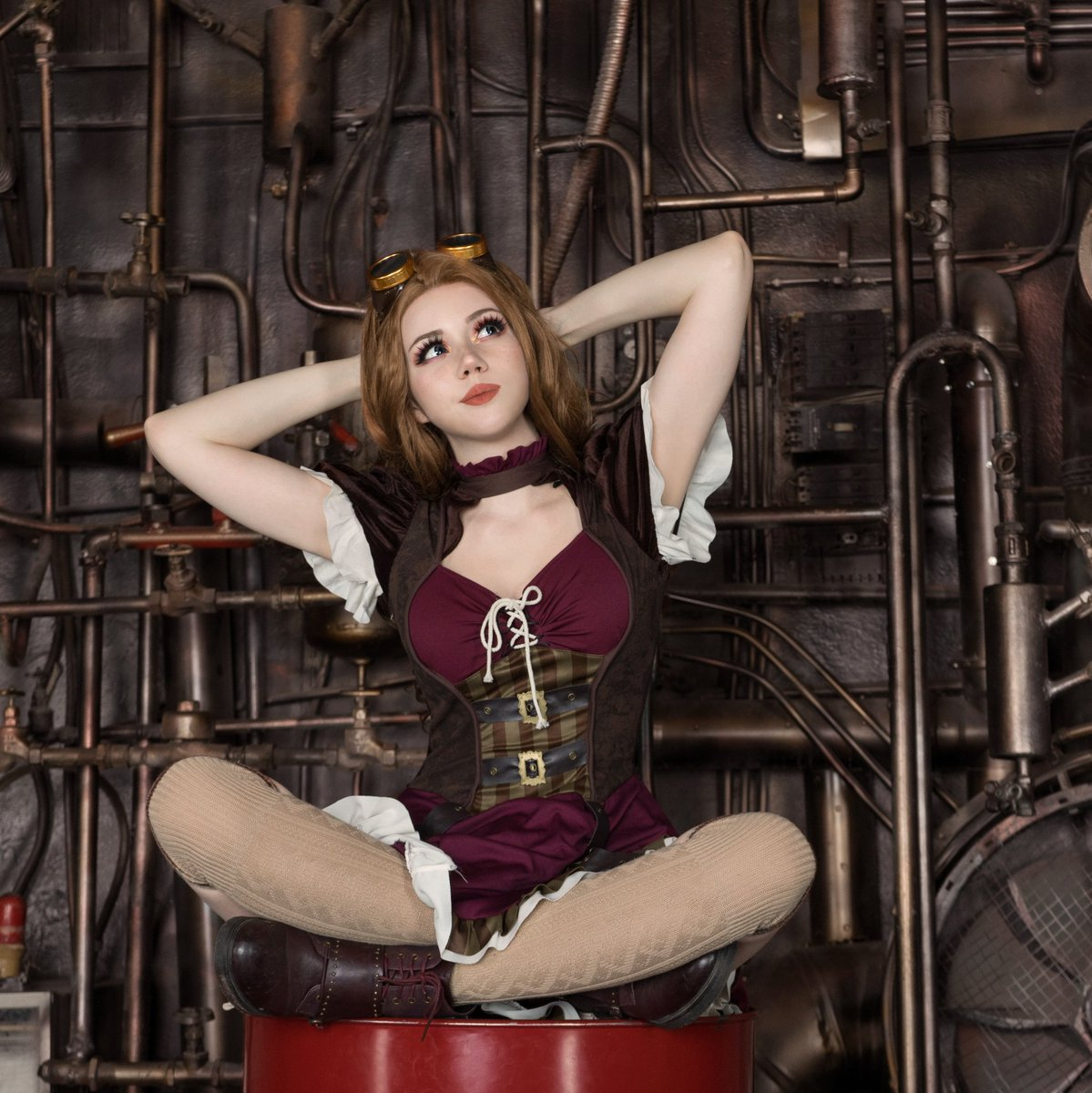 Ok, I'm back! I'll try to post here regularly~ Do you like steampunk? I do and wanna make more looks soon #steampunk