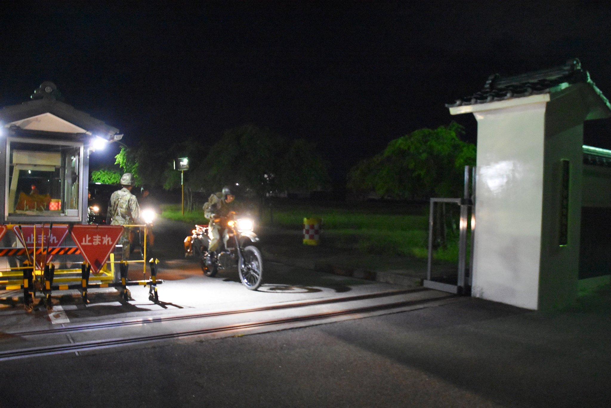 画像,東部方面隊は、6月18日(火)に新潟県で発生した震度6強の地震に際し、23時05分に第12旅団(第30普通科連隊)の初動対処部隊を現地へ派遣しました。 (写真は…