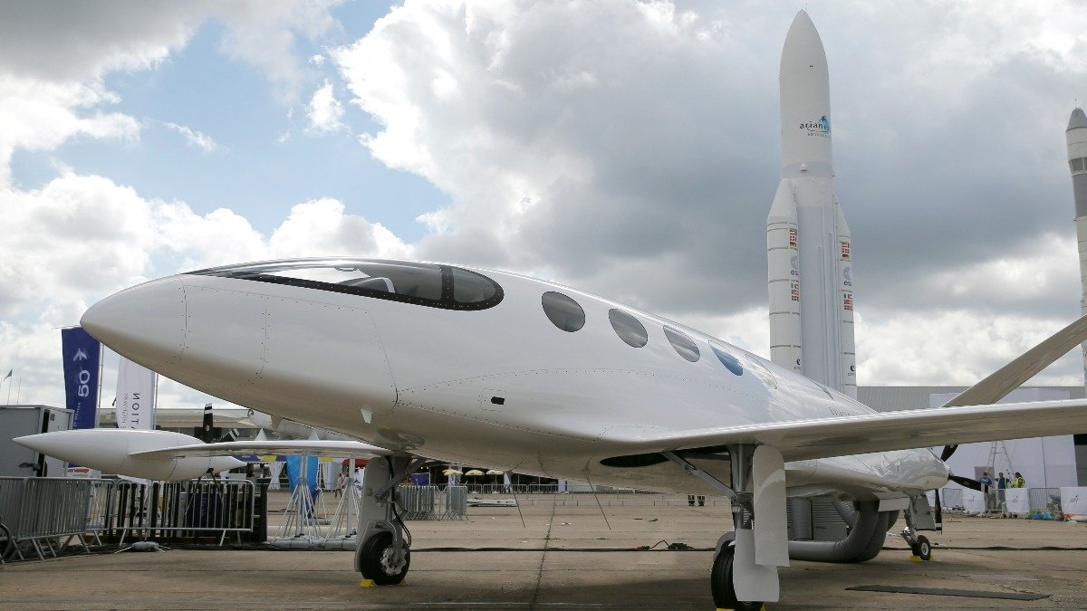 After cars, now it's planes going electric https://reut.rs/2XTCszr