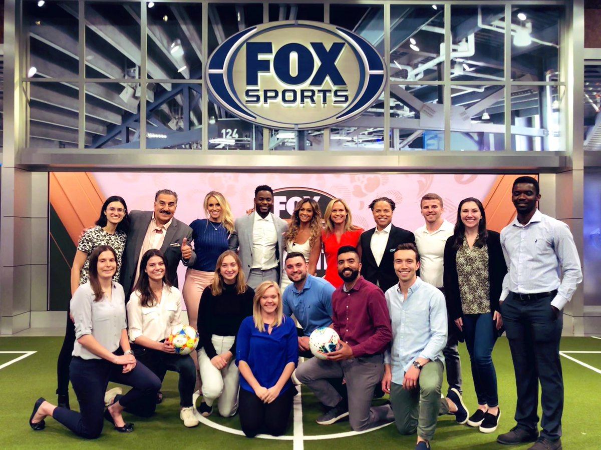 From the Digital war room, to the Fox Soccer Tonight studio, our @MichiganRoss winning teams had the opportunity to experience a full day of FOX Sports' @FIFAWWC coverage 🤩 https://t.co/GxoSh9hvPD