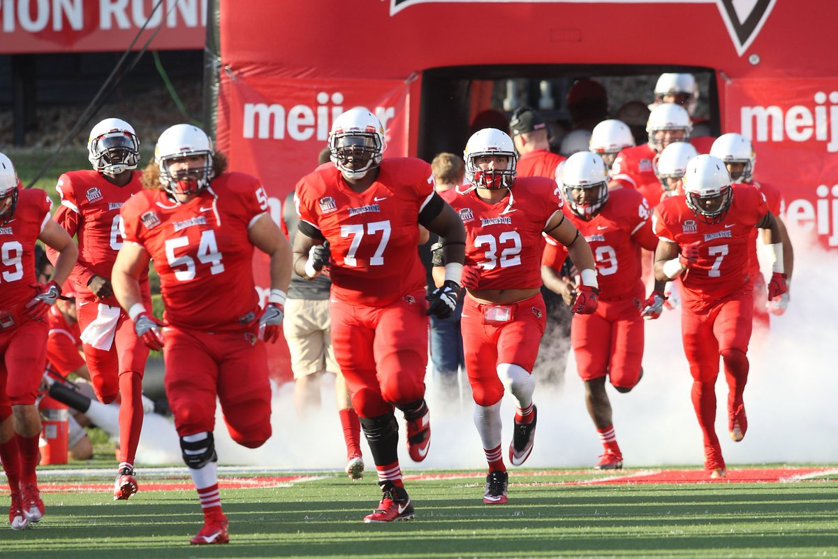 I am beyond blessed to have received an OFFER from ILLINOIS STATE UNIVERSITY Thank you!  @CoachNiekamp  #Gobirds<br>http://pic.twitter.com/MOP1cWwjxz