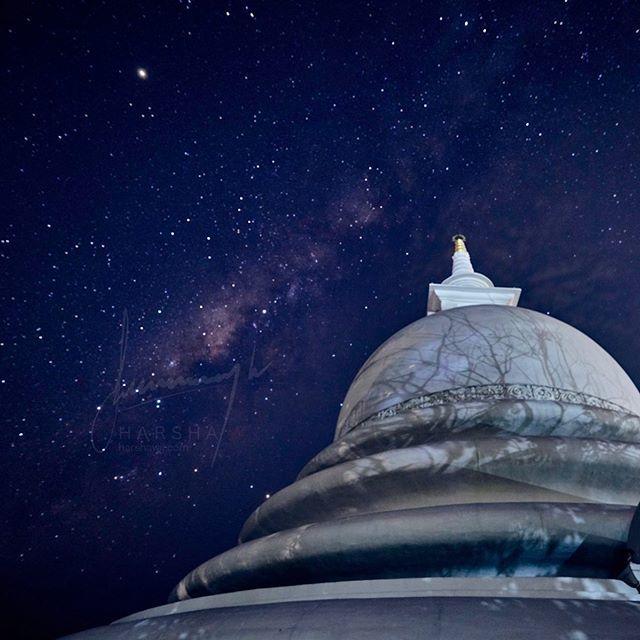The Milky Way from the Peace Pagoda. Rumassala,  . . . . #milkeyway #japanesepeacepagoda #like4likes #follw4follow #srilanka #visitsrilanka #srilankatourism #srilankadaily #exploresrilanka #sosrilanka #temple #galle #agnusluxuryvilla #ontheroadnikon #d… http://bit.ly/2XYYEbIpic.twitter.com/hfa4pW9EPv
