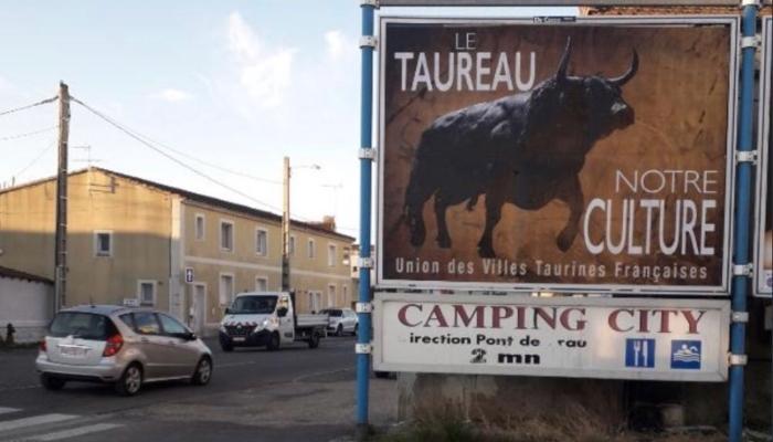 """aufeminin: À Bordeaux, des affiches """"Le taureau, notre culture"""" font polémique > https://www.aufeminin.com/news-societe/a-bordeaux-des-affiches-le-taureau-notre-culture-font-polemique-s4002132.html?Echobox=1560866544#utm_medium=Social&utm_source=Twitter…"""